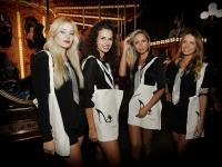 Vedi album In giostra col tacco - Vogue Fashions Night Out @ Firenze